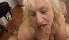 Lil aunt needs to fuck
