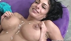 Hung mature muscle wife is ready to fuck