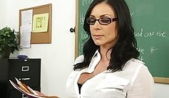 Brunette gets plumbed and facialized by her new teacher