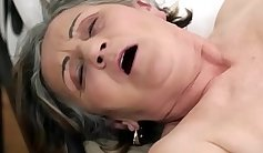 Hairy pussy granny streching pounded