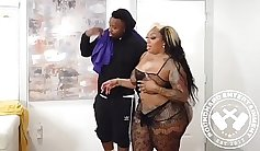 Sexy whore Dolly Waits On The Blacks