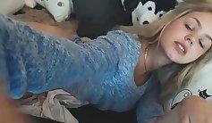 Cute teen girl giving great orgasms