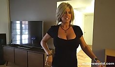 My neighbor housewife is a super hot MILF