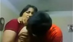 Amateur Couple Kissing In the Bathroom